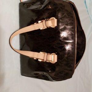 Michael Kors Bags - Like Brand New Michael Kors purse